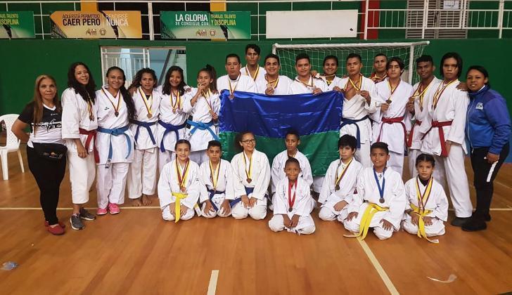 Participantes del Club Isami en Bucaramanga.