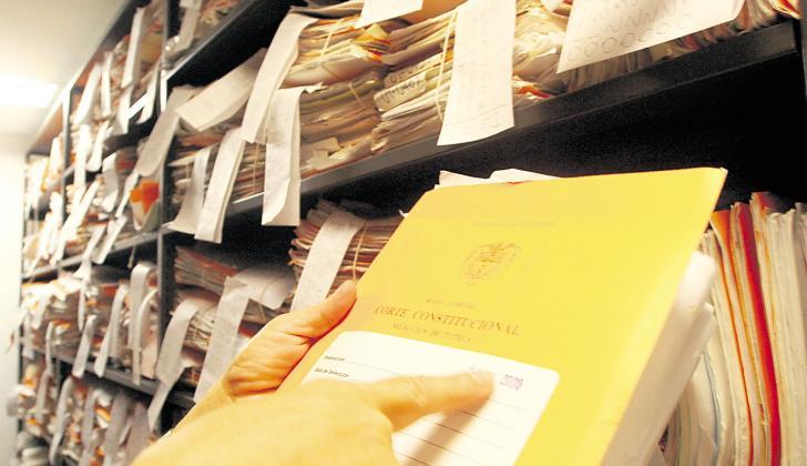 A diario se acumulan expedientes en los juzgados del país.