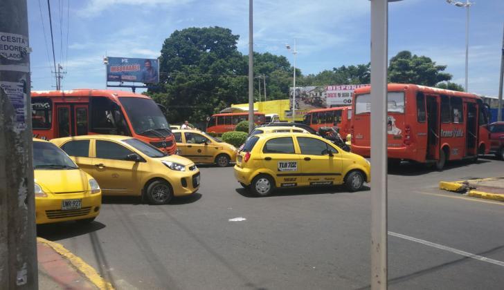 Los taxistas de Valledupar durante la protesta.