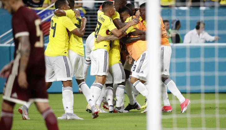 Colombia celebró sobre el final un merecido triunfo, luego de realizar un gran partido ante Venezuela, en Miami.
