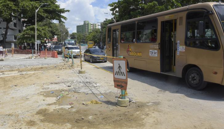 Las obras de canalización del arroyo de la carrera 65 han generado represamiento vehicular en el sector de la carrera 54, entre calles 68 y 58.