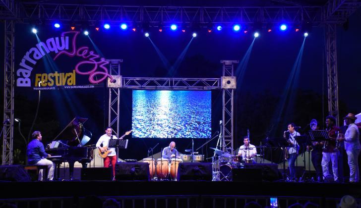 La Bandita subió al escenario en el segundo día de Barranquijazz a la Calle.