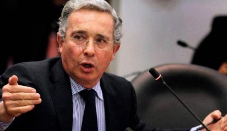 El expresidente Álvaro Uribe Vélez en el Congreso.