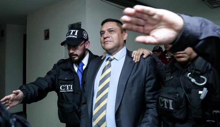 El general (e) Humberto Guatibonza es procesado en el complejo judicial de Paloquemao, en Bogotá.