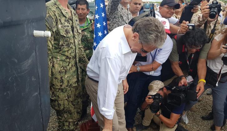 Kevin Whitaker, embajador de EEUU, durante la inauguración en Rumonero.