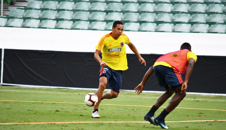 Carlos Bacca en el entrenamiento previo al partido ante Estados Unidos.