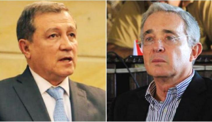 Ernesto Macías y Álvaro Uribe.