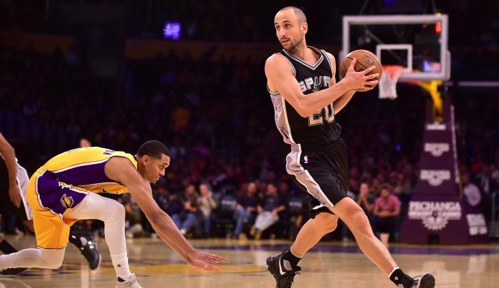 Manu Ginóbili en un juego ante los Ángeles Lakers.