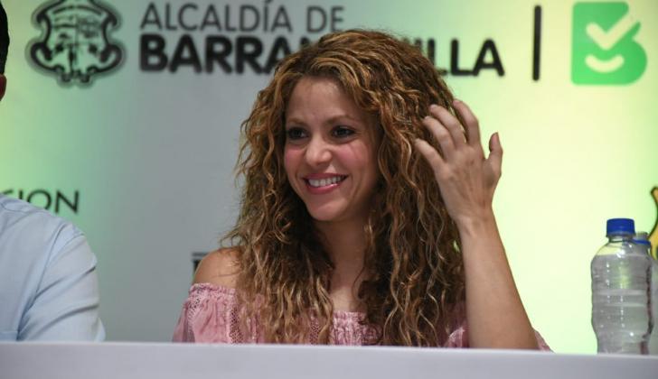 Shakira durante su visita al barrio El Bosque de Barranquilla.