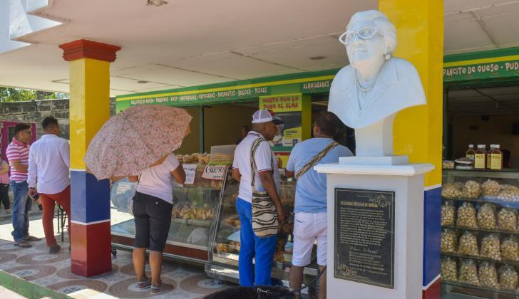 La Gran Parada es el nombre del negocio que creó doña Cele en la entrada de Campeche por la Cordialidad.