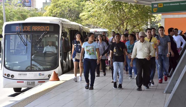Diariamente Transmetro moviliza 140 mil pasajeros, según cifras entregadas por su gerente.