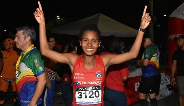 Shellcy Sarmiento, ganadora de la carrera San Silvestre.