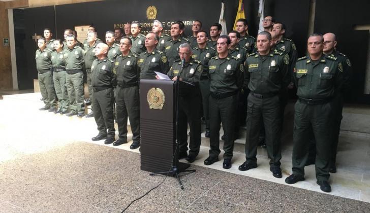 El general Oscar Atehortúa y la nueva cúpula.