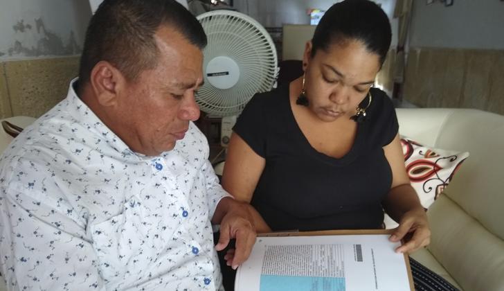 Jaime De la Hoz Peña, y la mujer que lo crió como un hijo desde que tenía cinco años, María Teresa Arrieta Salas.