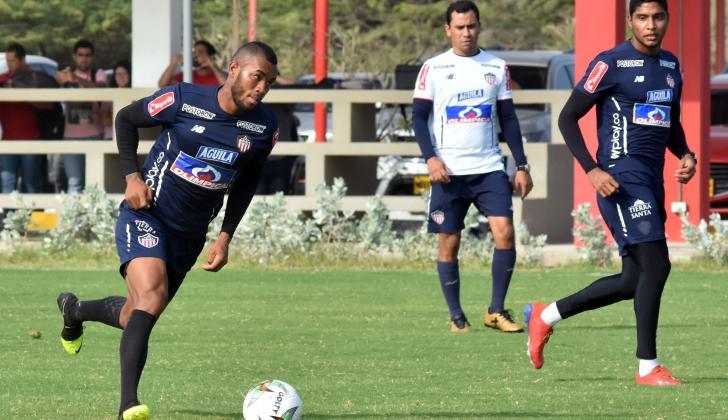 Hinestroza (izquierda) y Ruiz serán titulares ante el Tolima.