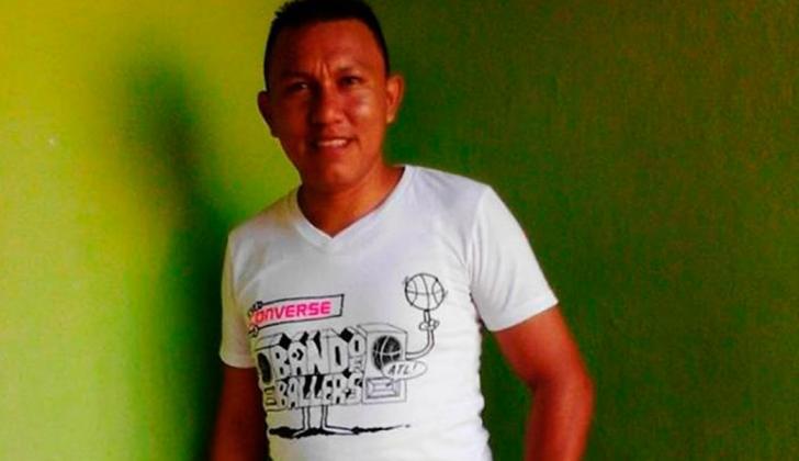 El docente y líder indígena José Víctor Ceballos Epinayu.