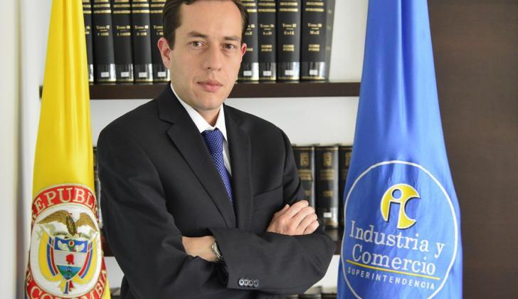 Andrés Barreto, superintendente.