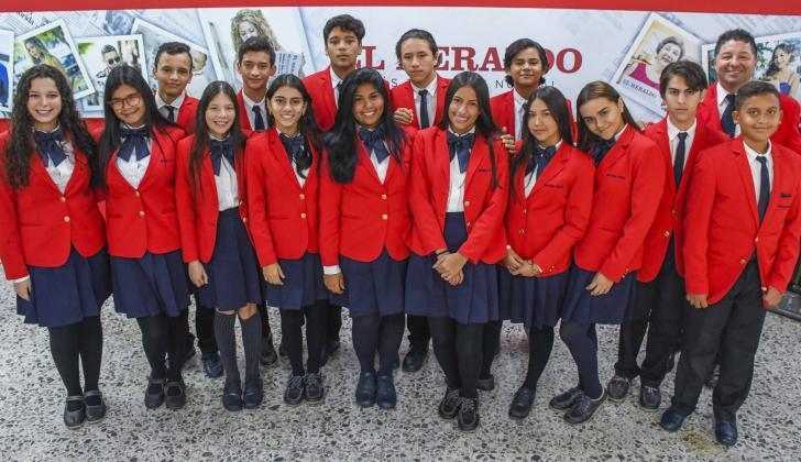 El grupo de 15 jóvenes que viajarán a las olimpiadas.