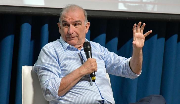 Humberto de la Calle durante su conversatorio en la Universidad del Norte.