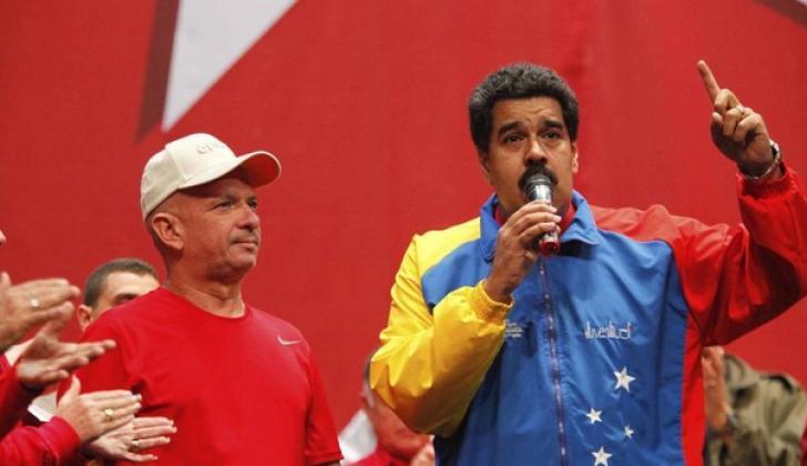 Hugo Carvajal junto a Nicolás Maduro.