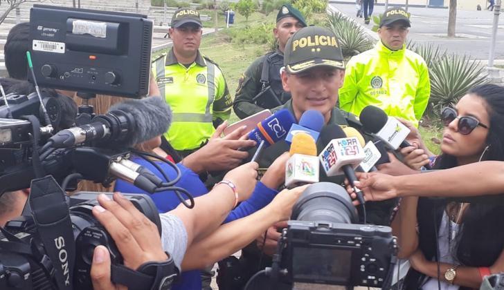 El general Mariano Botero Coy entregando información a los medios sobre el balance de Semana Santa.