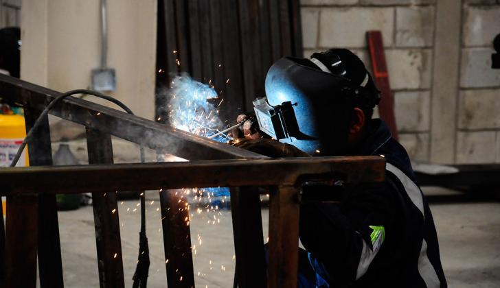 Trabajador de una empresa del sector metalmecánico.