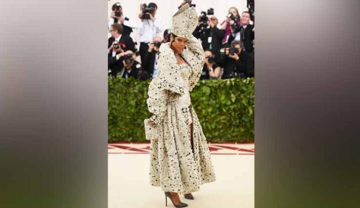 Rihanna acogió el tema de 2018 en la gala.