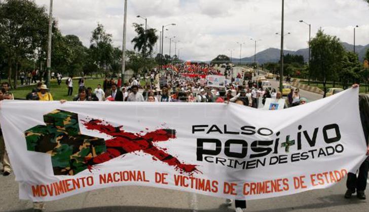 """Familiares de las víctimas de los """"falsos positivos"""" marchan en Bogotá"""