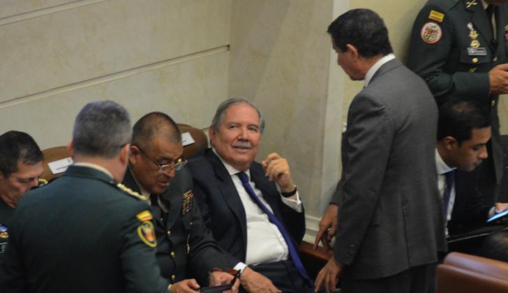 Guillermo Botero, ministro de Defensa, durante debate de moción en Cámara.