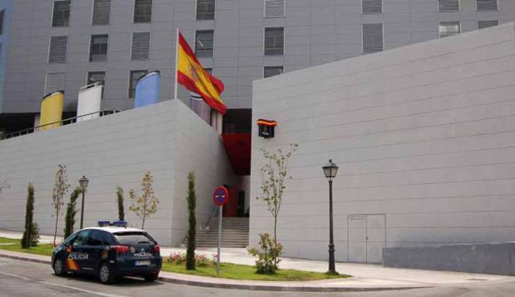 Fachada de las oficinas de la Policía de Madrid.