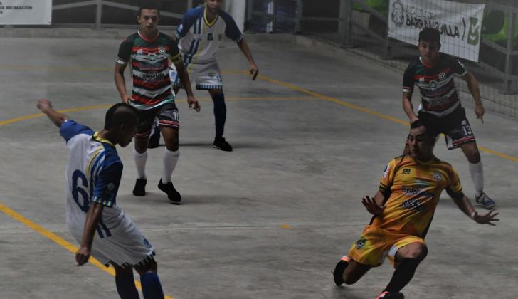 Teobaldo Blanco (6) anotó el segundo tanto tras habilitación de De la Ossa (13).