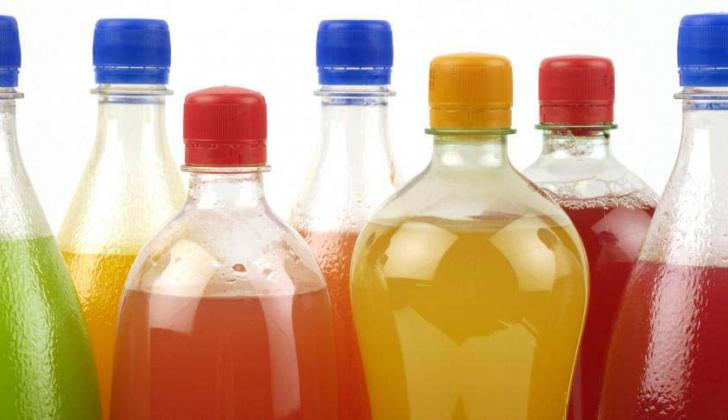 Envases con bebidas azucaradas.