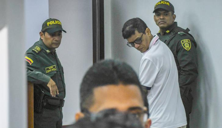 El exalcalde Carlos Altahona, en medio de una audiencia en el Centro de Servicios.