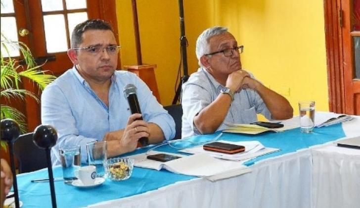 El alcalde Martínez con Adolfo Bula, que pasó a la Secretaría de Gobierno. Venía de la jefatura de Desarrollo Económico.