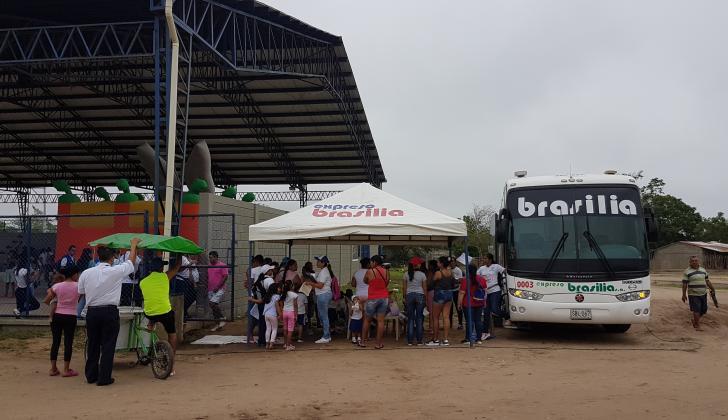 El bus-consultorio de la Fundación Brasilia visita diferentes zonas del país.