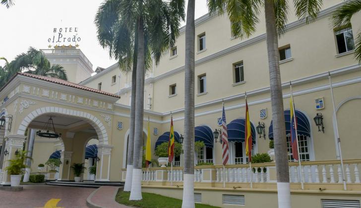 Entrada principal del hotel El Prado, ubicado en el norte de Barranquilla.