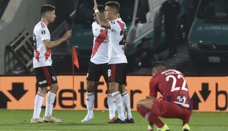 Los jugadores se River Plate celebran la clasificación.