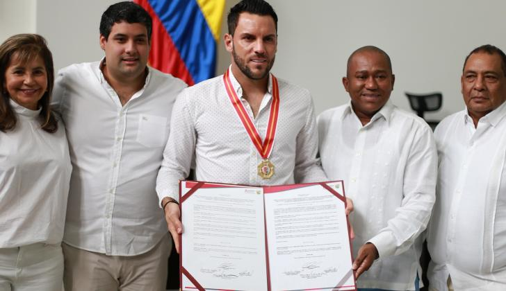 En la foto aparacene Lourdes López, Estéfano González, Sebastián Viera, Gersel Pérez y Jorge Rangel.