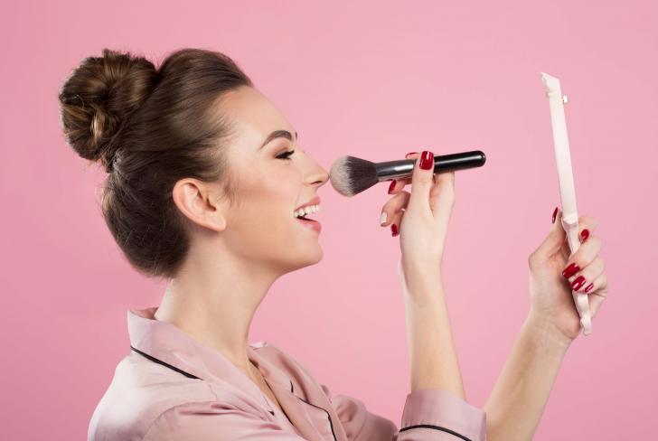 Las horas antes del maquillaje son claves para lucir impecable a lo largo de las festividades decembrinas.
