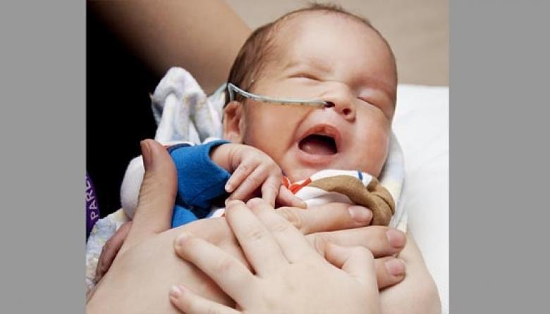 Las infecciones por VIH en recién nacidos se reducen a la mitad desde 2005