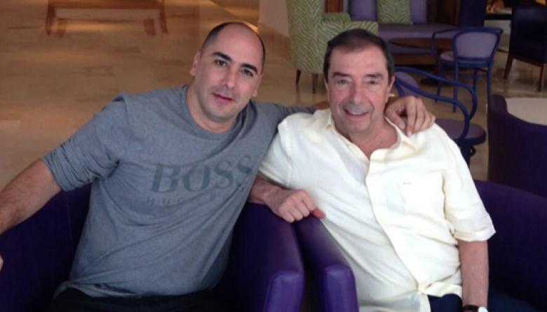 Fernando Salazar publicó esta fotografía en Twitter, junto a Fuad Char, anunciando el acuerdo.