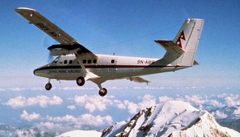 Avión con 18 personas desaparece en oeste de Nepal