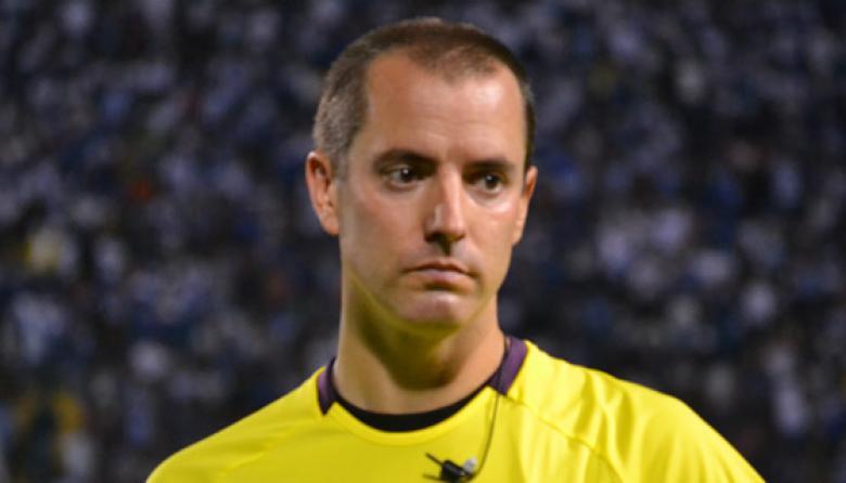 Mark Geiger designado para pitar el Colombia vs Grecia