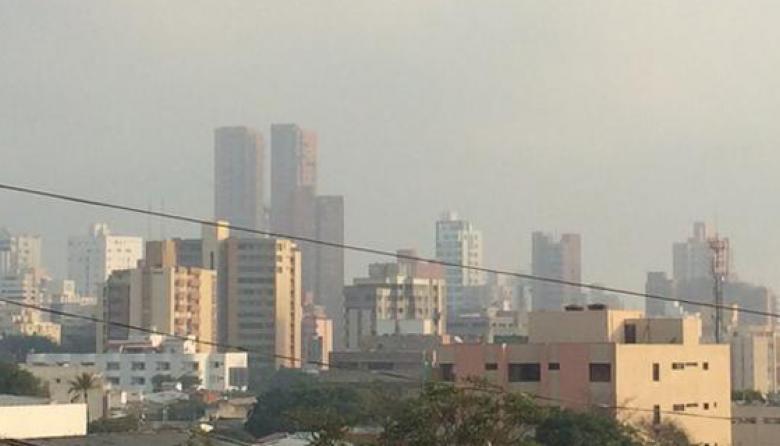 Una vez más Barranquilla despierta cubierta de humo