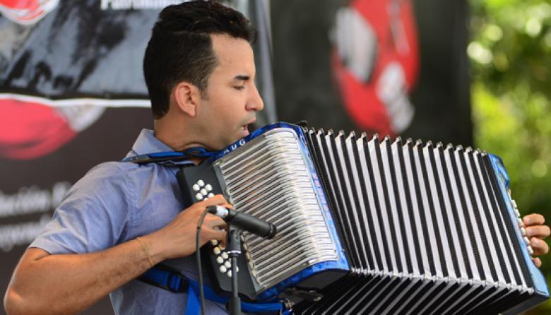 Con vallenato tradicional, comienza la contienda en el Festival