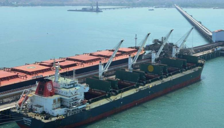 Puerto de carbón de la compañía Drummon, en Ciénaga, el cual usa banda encapsulada.