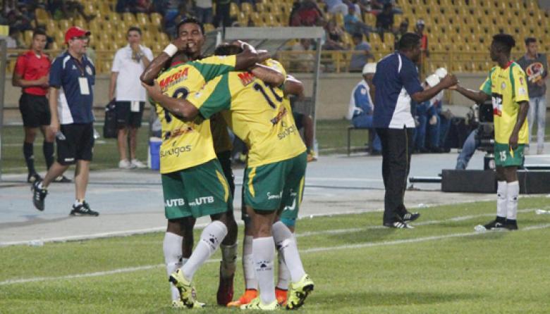 Real Cartagena goleó a Llaneros y se afirmó dentro de los ocho