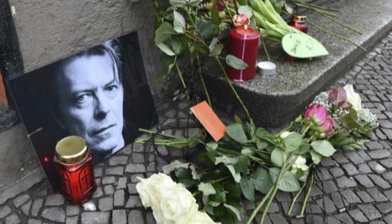 """Madonna se declara """"devastada"""" por la muerte de David Bowie"""