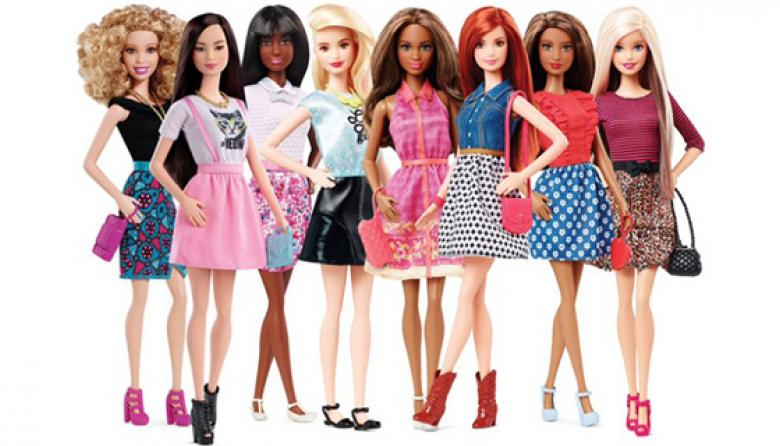 Barbie hace de sus curvas un patrón de diferencias