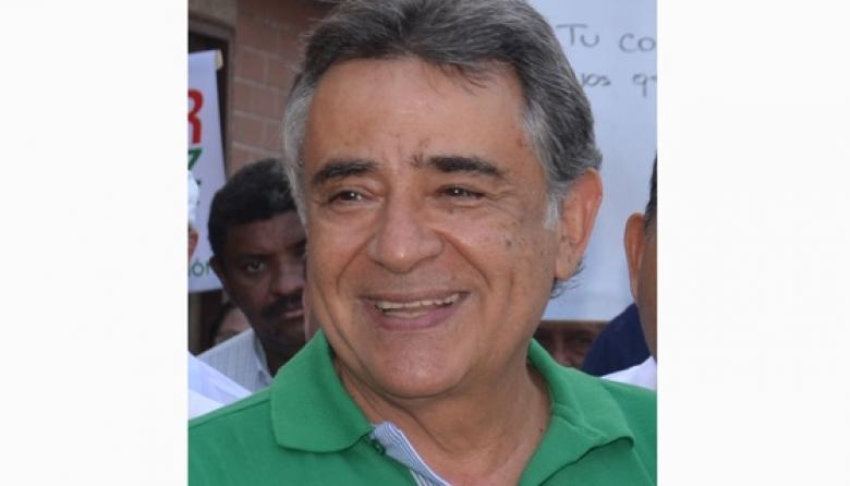 Édgar Martínez.